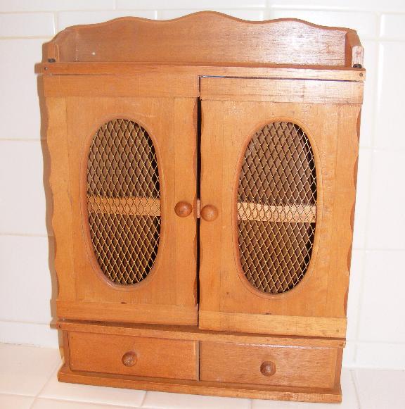 woodcabinet